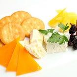 チーズとドライフルーツ盛り合わせ