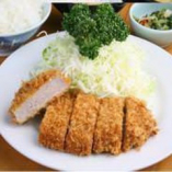 「お箸で切れるやわらかいとんかつ」の代表のヒレかつ定食