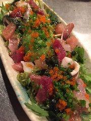 アボカドと魚介のサラダ