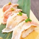 総州紅楽美のにぎり寿司。もも2貫、むね2貫のセット。480円
