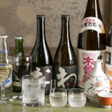 オリジナル銘柄をはじめ、厳選したお酒も豊富にご用意しております。