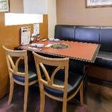 【片側ソファ席】半個室のようでプライベート感◎ 座り心地のいい、ゆったり空間です
