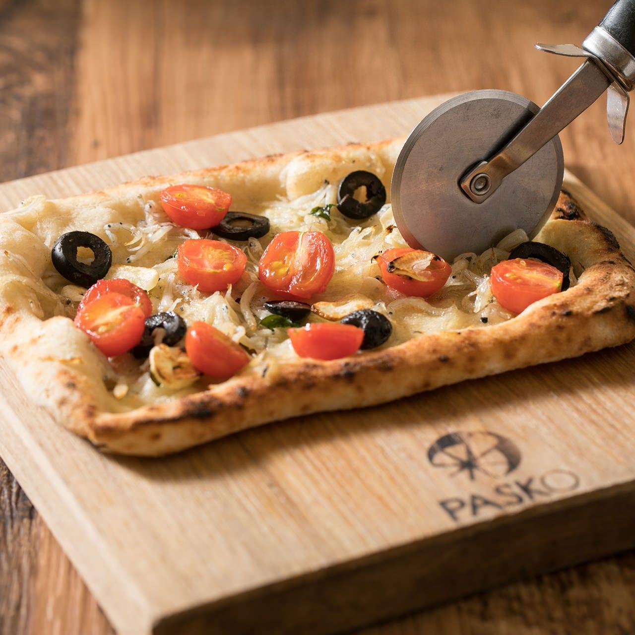 種類豊富なピザは大人気♪あれもこれも食べたくなります。