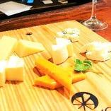 5種のチーズ盛り合わせ