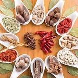 中国の漢方を数十種類も投入したスープで心も体もリフレッシュ♪