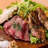 【看板】ビストロ肉の3種盛り合わせ!
