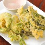 旬野菜の天ぷら盛り合わせ