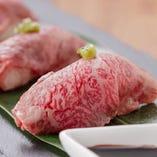 黒毛和牛炙り肉寿司2貫