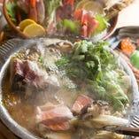 海鮮居酒屋ならではの本格寄せ鍋を!お子様からご年配まで幅広いお客様に人気の寄せ鍋を吾作風にアレンジ