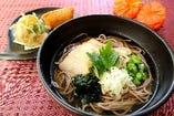 山形県のご当地グルメ「冷やし肉蕎麦」
