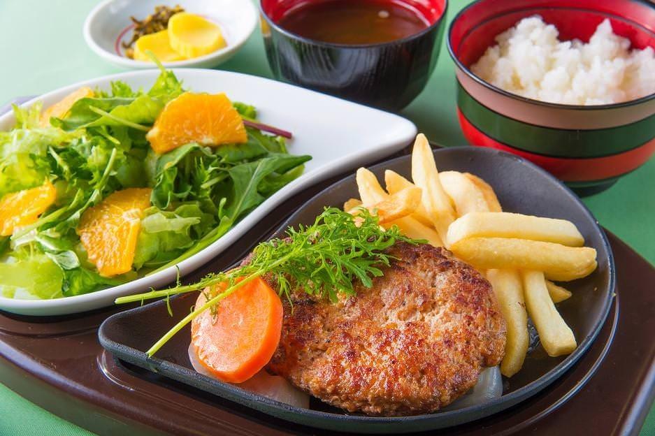 ハンバーグステーキと伊勢菜園サラダセット ※コースではございません