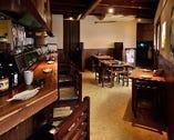 1階はテーブル席、2階は座敷をご用意しております。