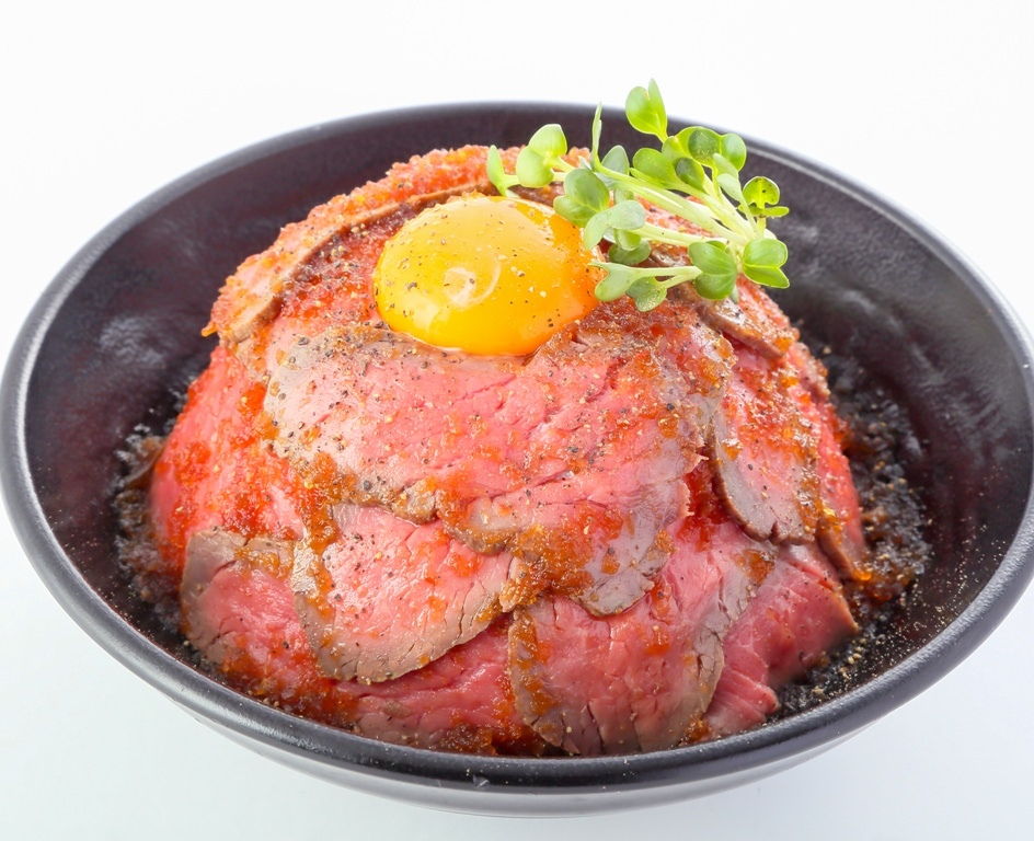 『ローストビーフ丼』サイズは4つ