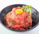 ローストビーフ丼Lサイズ!お肉が2倍!食べごたえ抜群!
