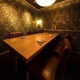 接待向けの完全個室のテーブル席(4~6名様)