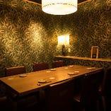 接待向きの落ち着いたテーブル個室。(喫煙可)