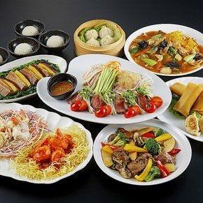 ご家族や友人とのお食事や ご宴会もご予約承っております!