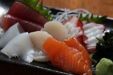 三河の市場から仕入れた鮮魚