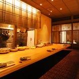 人気のカウンター席。京都観光やデートにもオススメです