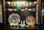 ◇明治時代の骨董を多数展示しております