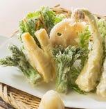 【揚げ物】 筍(たけのこ)と春野菜の天婦羅