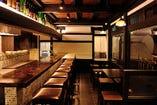 ■┓1F カウンター&テーブル席 ┗╋━━━━━━━━━