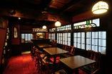 ◆二階 大正ロマンに浸れるクラシカルなテーブル席