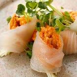 朝〆鮮魚とウニの包み造り