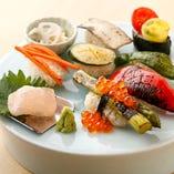 彩り鮮やかな旬野菜のにぎり寿司。見た目も味も◎な逸品