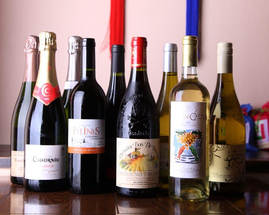 BIOワインにこだわり 常時6種類以上ご用意!