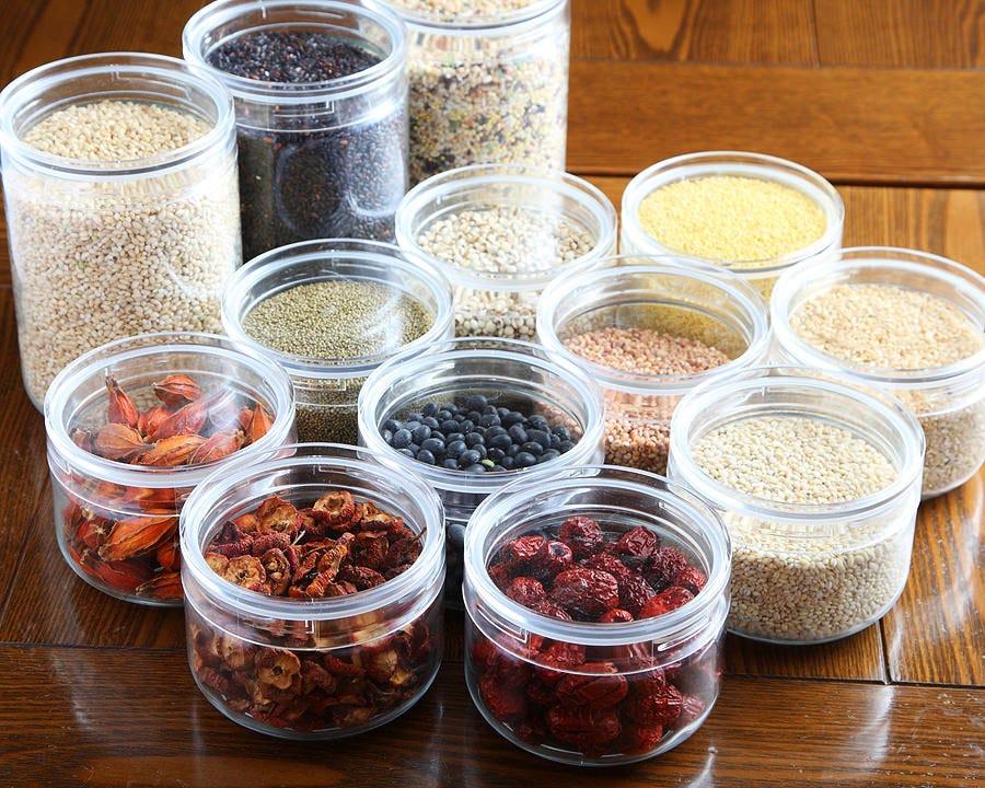 薬膳などのスパイス類は 20種類ほど韓国から直輸入