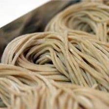 石臼で挽いた蕎麦粉を使用