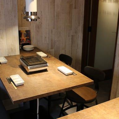 焼肉×バル マルウシミート 新橋店 店内の画像