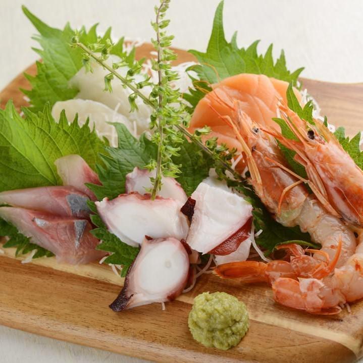 種類豊富な魚貝料理やお肉料理を心行くまでお楽しみください