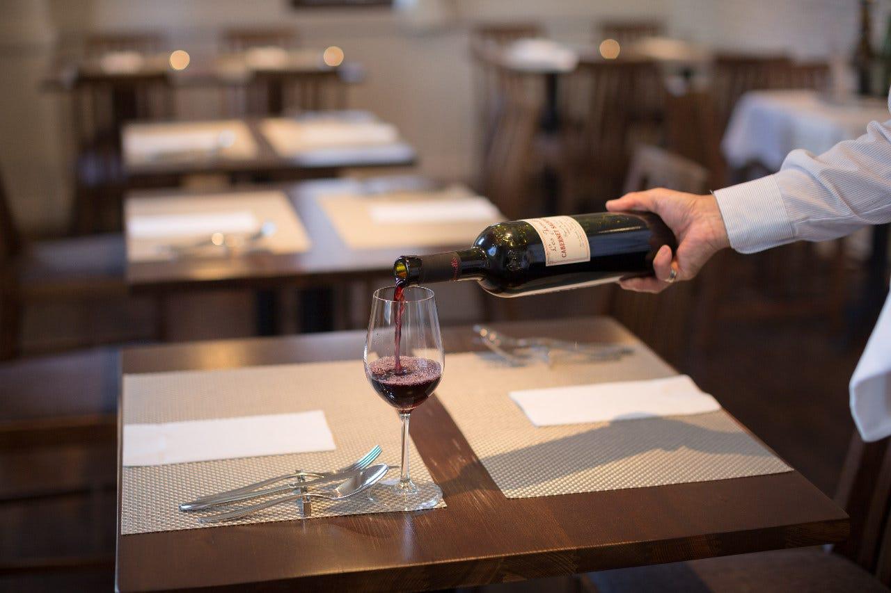 グラスやワインリストも豊富