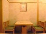 ≪テーブル席≫6人様用1卓       4人様用3卓