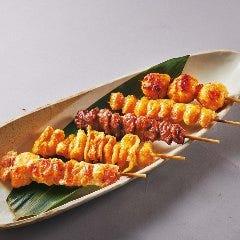 やきとり 単品 各種(もも、ぼんじり、砂肝、かわ、鶏つくね) / やきとり串盛り合わせ(5串)