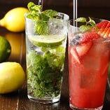 生のフルーツや野菜を使用したサワーは爽やかでフレッシュな味