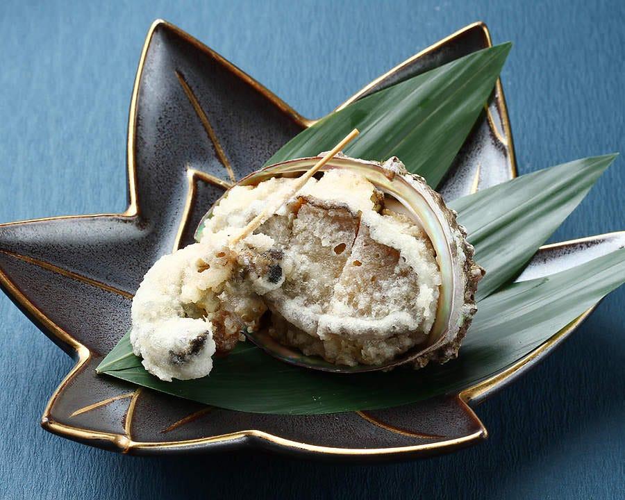 ■記念日コース 金箔付赤飯やあわびの天ぷら等、豪華なコース