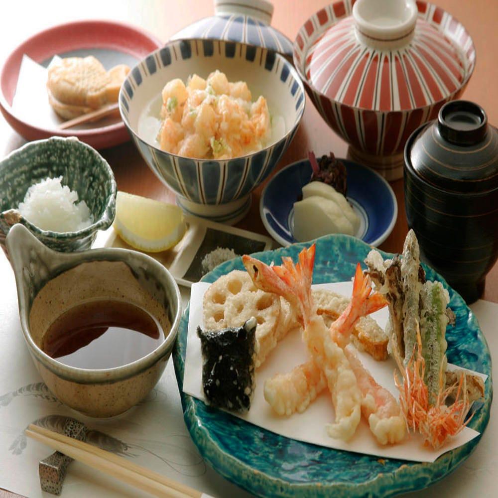 かき揚げで天丼、天茶なども選べる『天麩羅膳』がオススメです