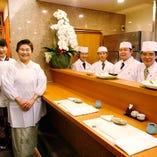 日本料理なだ万での経験を生かした 職人達4人が腕を奮います