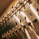世界中のビールから厳選した樽生ビールを、常時10種類ラインナップ!