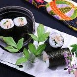 高級食材『フォアグラ』を使用した細巻き寿司。〆にいかがですか