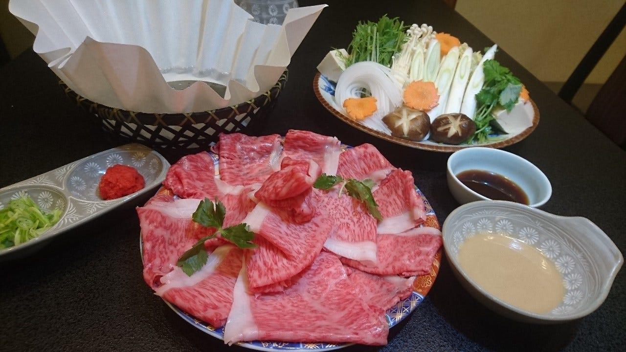 近江牛しゃぶしゃぶ鍋orすき焼きコース