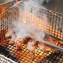 大皿に盛る南九州の豪快焼き鳥