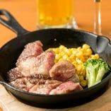 """""""国産黒毛和牛""""飛騨牛の三角バラを贅沢に使用したステーキ♪ワインやクラフトビールからお好きな一杯が選べるセット。"""