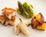 旬野菜を毎日仕入れ 焼き野菜の盛合わせ