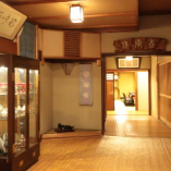 登録有形文化財にも登録された歴史ある内観。