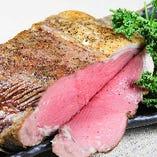 ローストビーフは大人気♪肉メニューみんな大好き♪