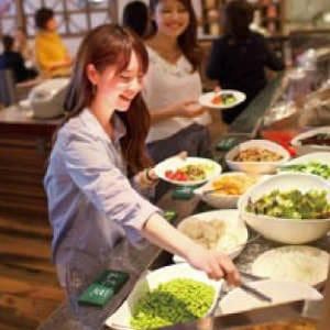 産直お野菜など食べ放題のブッフェ!
